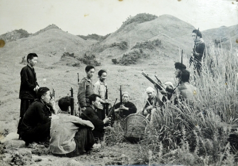 The malice of Xieng Khouang province makes plans to coordinate with the regular army in various operations in the plateau of Xieng Khouang